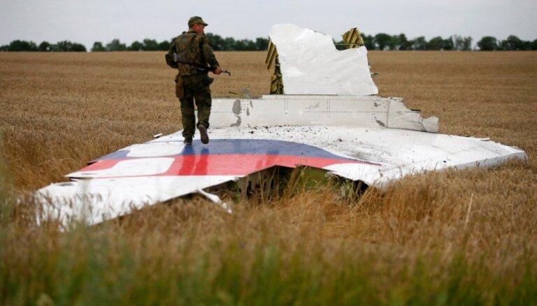 Nīderlande nodrošinās bezmaksas juridisko palīdzību MH17 aviokatastrofas upuru tuviniekiem