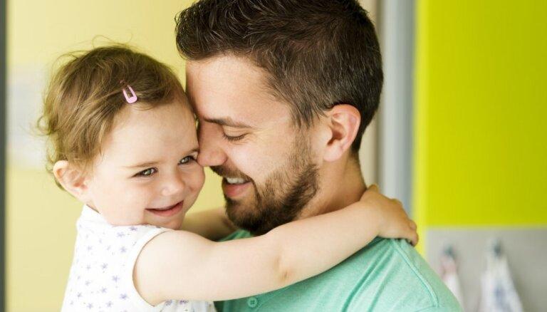 Kāda ir tēva loma konkrētos bērna vecumposmos