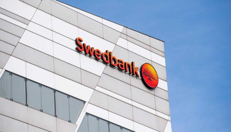 No amata atkāpies 'Swedbank' grupas padomes priekšsēdētājs Lars Idermarks