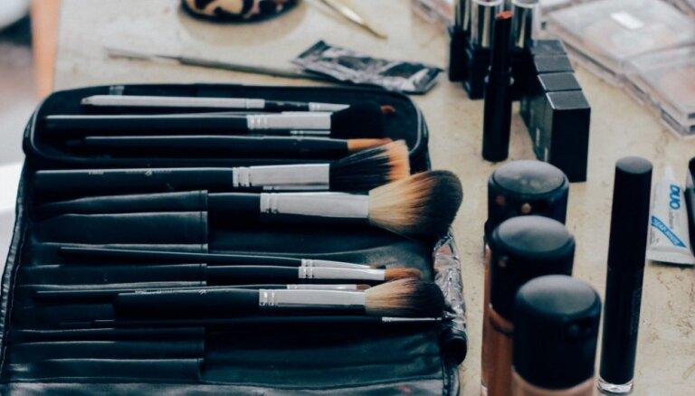 Выбрасываем без сожалений. Как часто нужно менять средства для макияжа на самом деле
