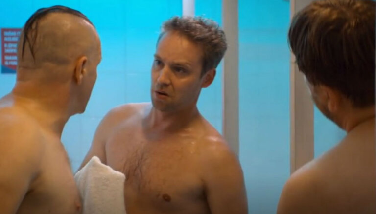 Ekskluzīvi: Pirmais ieskats Ēķa atklātajā komēdijā 'Klases salidojums'