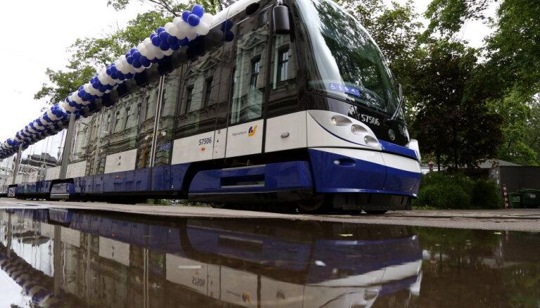 Rīgas domes un 'Rīgas satiksmes' vadība pagaidām vairās komentēt CFLA lēmumu