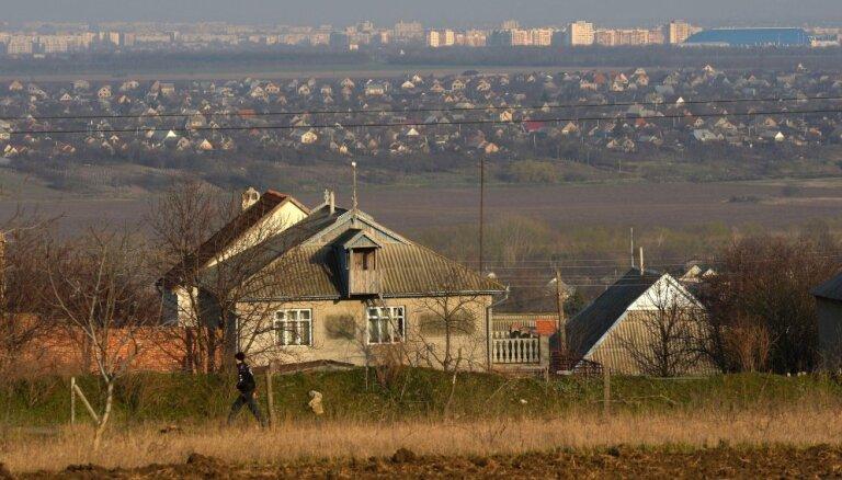 Rumānijas prezidents uzliek veto 150 miljonu eiro aizdevumam Moldovai