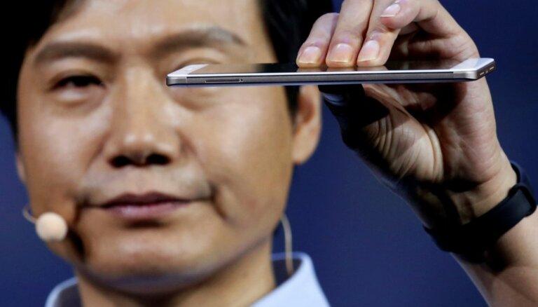 Глава Xiaomi получил бонус в миллиард долларов. Что он с ним будет делать?