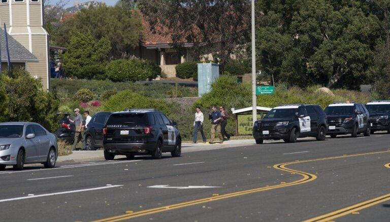 Apšaudē Kalifornijas sinagogā miris viens, bet ievainoti trīs cilvēki