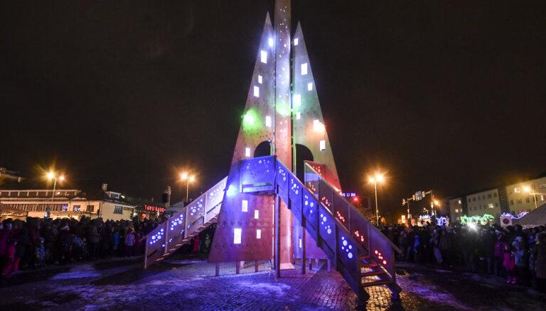 ФОТО. Эстония лишилась самой уникальной новогодней елки