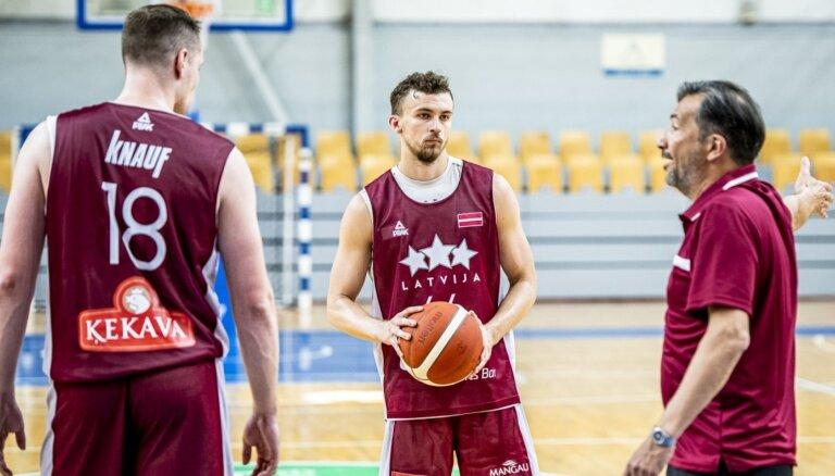 Latvijas basketbola izlase nākamnedēļ aizvadīs pirmo spēli Banki vadībā