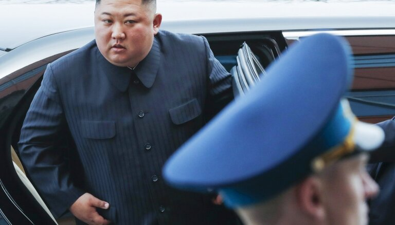 'Mercedes' neziņā, kā Kims Čenuns ticis pie tā limuzīniem