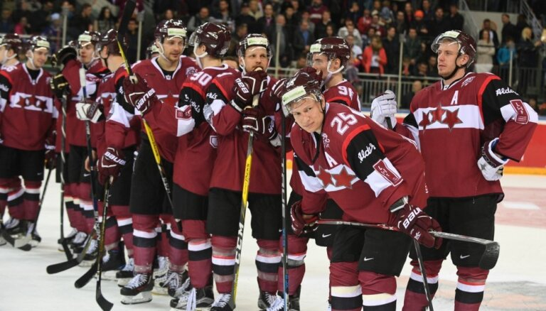 Jauna Latvijas hokeja ēra, slavens treneris un saliedēta izlase – sākas pasaules čempionāts
