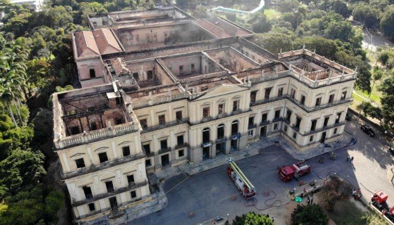 Foto: Baisais tukšums Brazīlijas Nacionālā muzeja karkasā