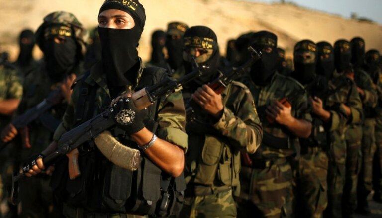 Parīze noraida iespēju repatriēt no Sīrijas franču džihādistus