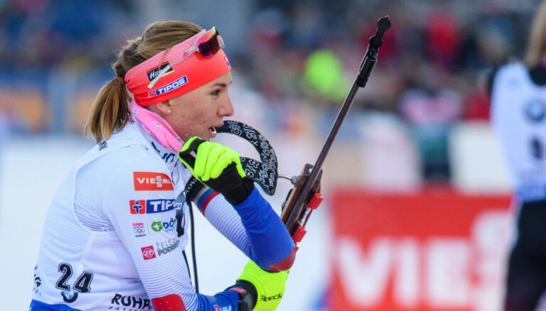 Биатлонистка Кузьмина опоздала на соревнования из-за поломки самолета
