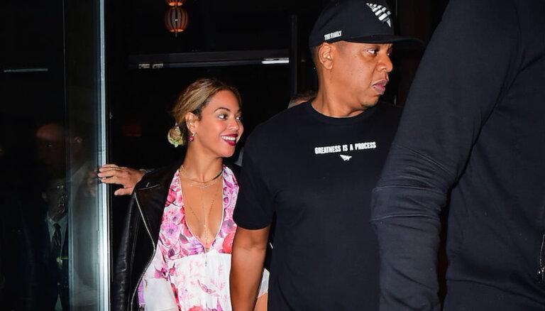 Bejonsa un Jay Z pirmo reizi iemūžināti kopā pēc šķiršanās skandāla