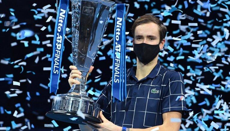 Теннисист Даниил Медведев вторым из россиян выиграл Итоговый турнир ATP