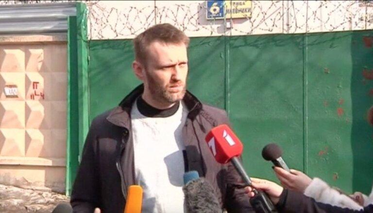 Video: Krievijas opozicionārs Navaļnijs izlaists no cietuma