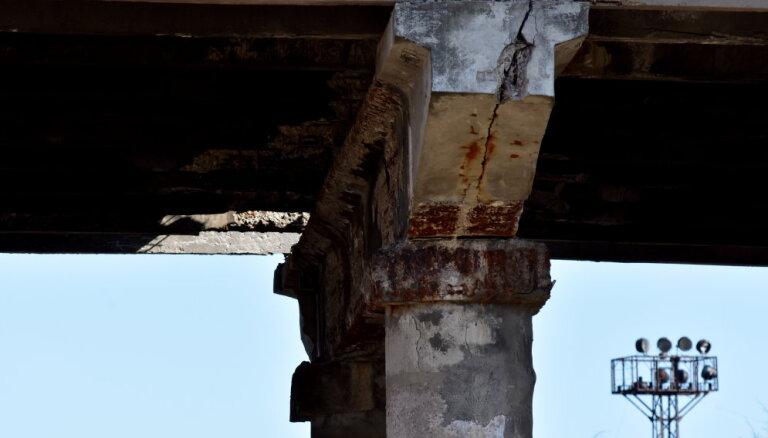 Рижская дума получила разрешение на укрепление опор Деглавского моста