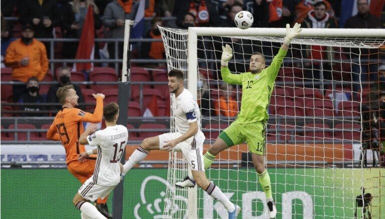 Латвия в отборе на ЧМ-2022 пропустила два мяча от голландцев, Россия обыграла Словению