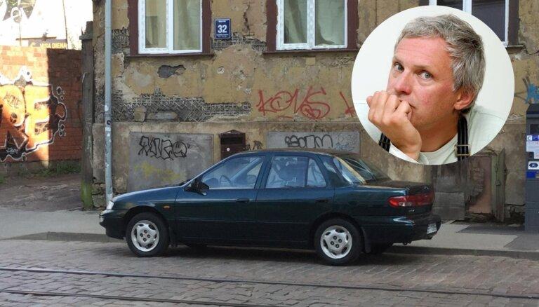 Paulam Timrotam joprojām nav izdevies pārdot sakopto KIA sedanu par 1000 eiro