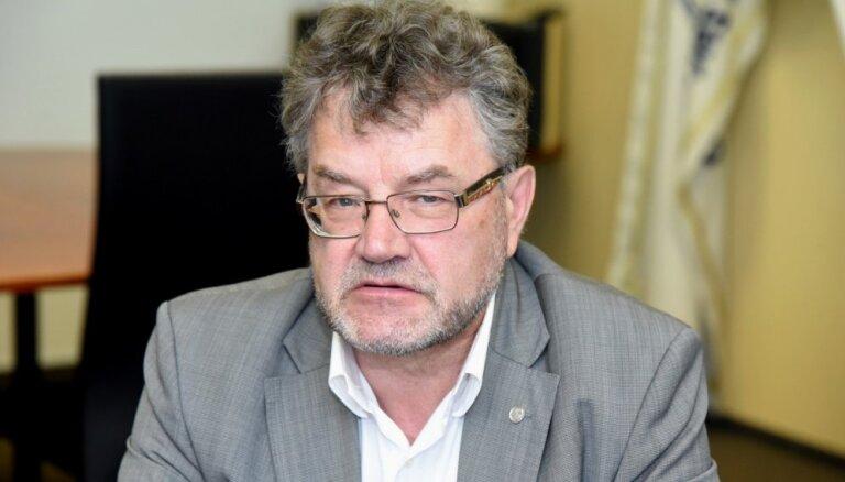 'Vadība ir kārtīgi iztīrīta' – atlaiž ilggadējo 'Latvijas auto' prezidentu Trēziņu