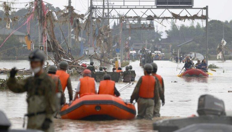 Plūdos Japānā Kjusju salā vismaz 34 bojāgājušie