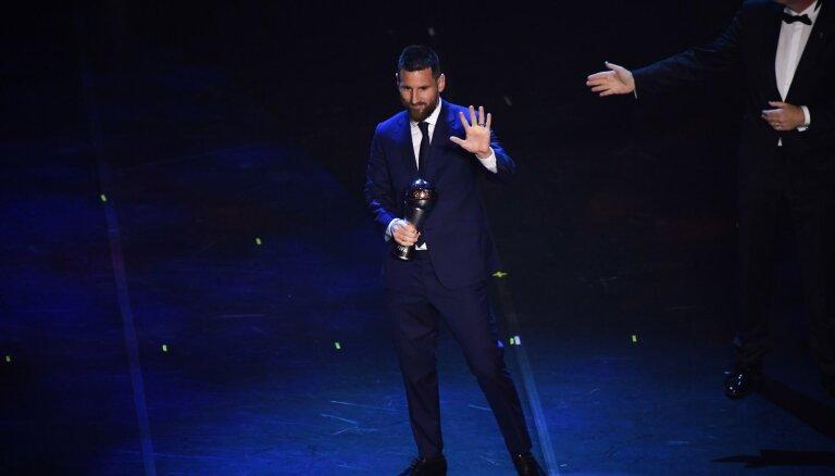 Mesi sesto reizi atzīts par FIFA gada labāko futbolistu