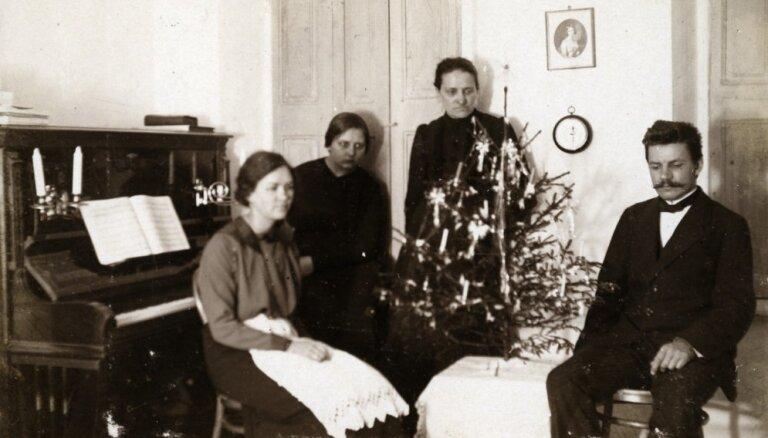 Ceļojums laikā: Kā Ziemassvētki Latvijā svinēti pagājušajā gadsimtā
