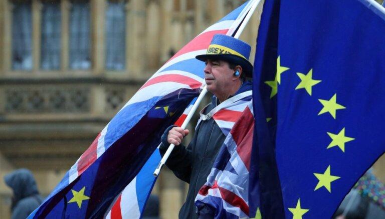 Lielbritānijas likumdevēji noraida leiboristu ierosinājumu turpmākajam 'Brexit' procesam