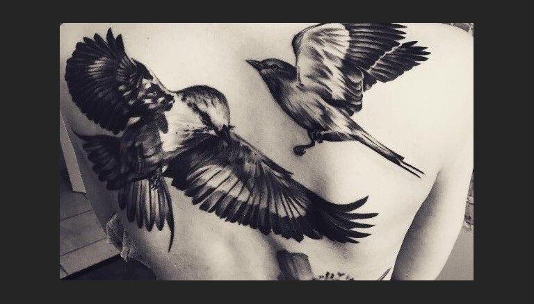 'Degpunktā' vadītāja Ieva Brante tikusi pie vēl viena varena tetovējuma