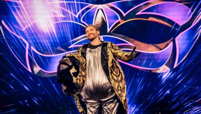 'Balss maskā' pusfinālā šovu pamet Zvirbulis jeb Justs Sirmais