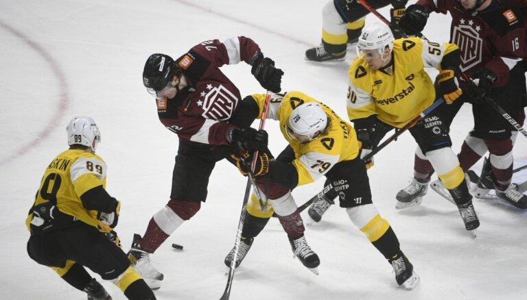 Rīgas 'Dinamo' labi spēlē vairākumā; pagarinājumā piekāpjas 'Severstaļ'