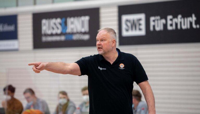 Helmanis pagarina līgumu ar Vācijas klubu 'Loewen'