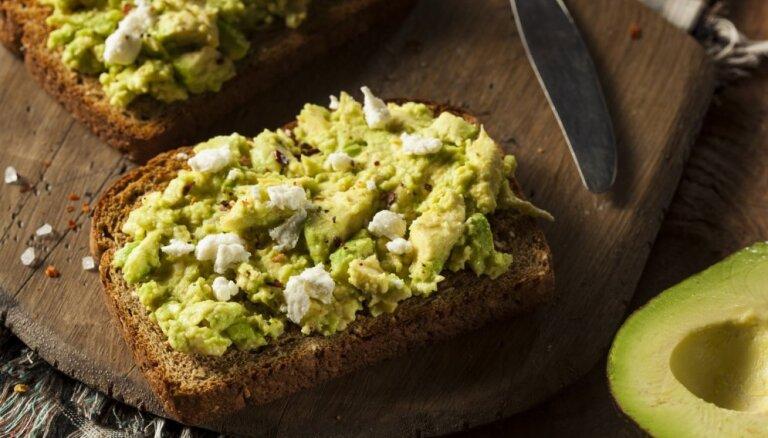 Kā uzlabot brokastu maizīti, lai tā būtu pat pusdienu cienīga?