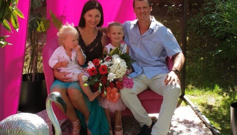 Veselīgi ieradumi laimīgai ģimenei: hokejista Jēkaba Rēdliha padomi