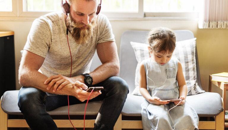 Visstraujāk interneta patēriņš mobilajos telefonos ir audzis Kurzemē