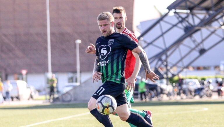 Valmieras futbolistam rupjš 'tvīts' izmaksā 200 eiro