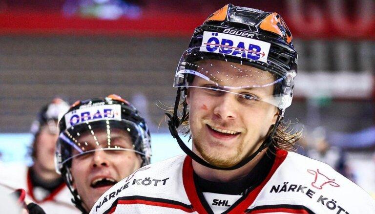 Ābolam rezultatīva piespēle, Kalniņam 'sausā' spēle Zviedrijā