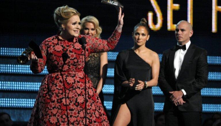 Atlikta Adeles jaunā albuma izdošana