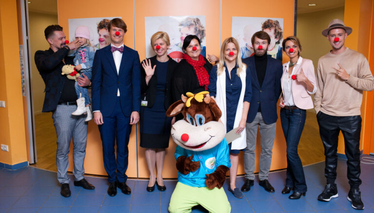 Все мы немного клоуны: в Риге проходит акция поддержки Докторов-Клоунов