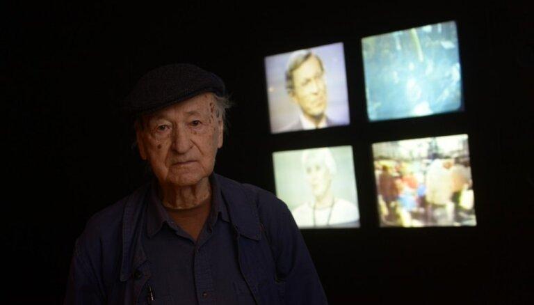 Cēsu mākslas festivāla īpašais viesis - pasaulslavenais lietuviešu izcelsmes amerikāņu kultūras pārstāvis Jons Meks