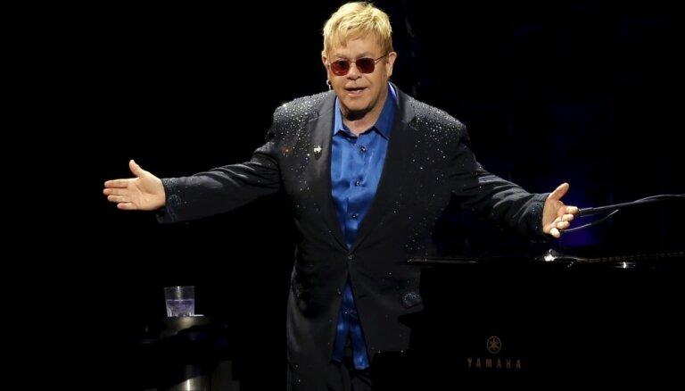СМИ: Элтон Джон отменил концерты ради свадьбы принца Гарри