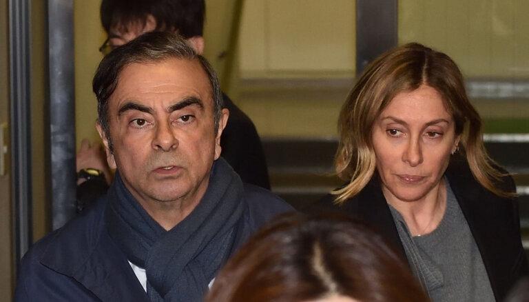 'Nissan' bijušā vadītāja Gosna sieva lūdz Trampa palīdzību
