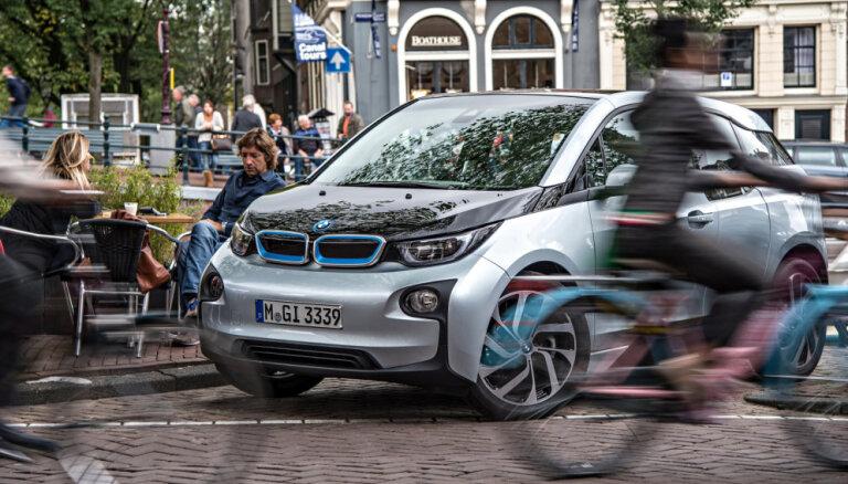 'Daimler' un BMW apvienos kopbraukšanas pakalpojumus