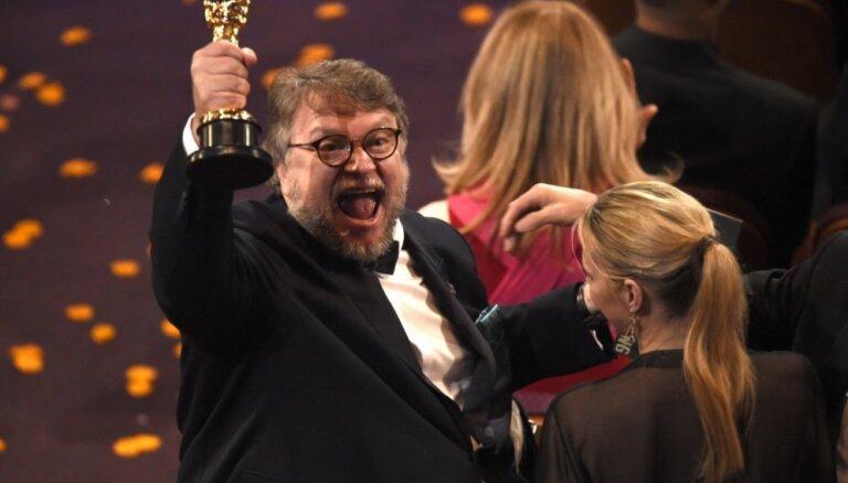 """ФОТО: В Лос-Анджелесе вручили """"Оскара"""". Лучший фильм - """"Форма воды"""""""