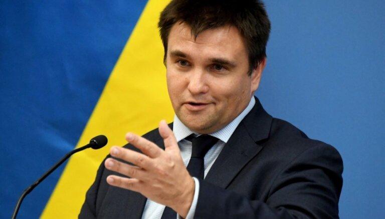 Ukrainas ārlietu ministrs vaino Krieviju jauniešu protestu uzkurināšanā Eiropā