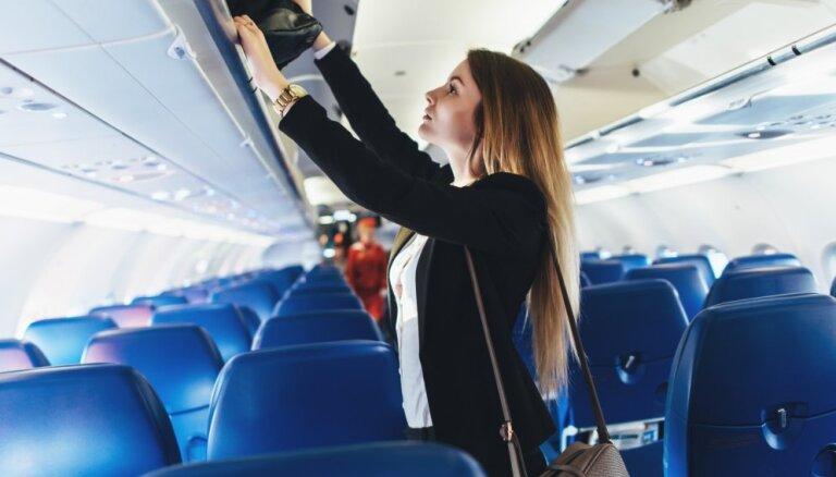 Etiķete lidmašīnā: 10 nerakstīti uzvedības noteikumi, kas būtu jāievēro