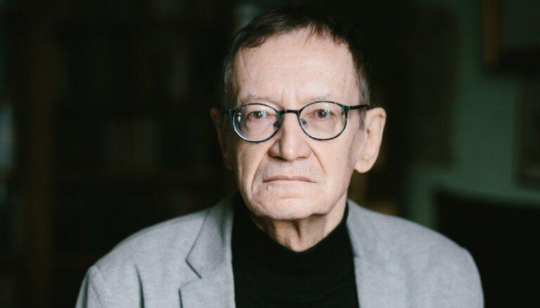 Поэт Янис Рокпелнис признался, что был информатором КГБ