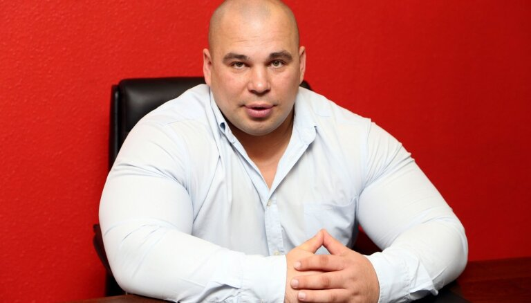 "На контрабанде 15 тонн водки попался бывший кандидат в Сейм от ""Согласия"""