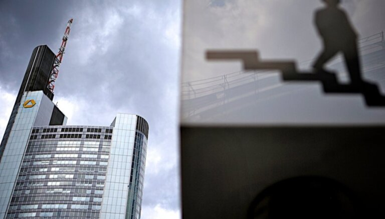 Желанная для Латвии еврозона скатилась в рецессию