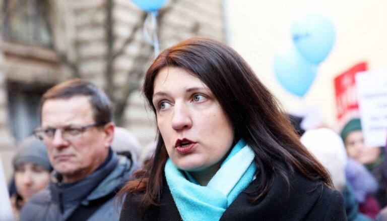 Prasa konfiscētos 29 miljonus eiro dot skolotāju algām; par naudas izlietojumu jālemj MK
