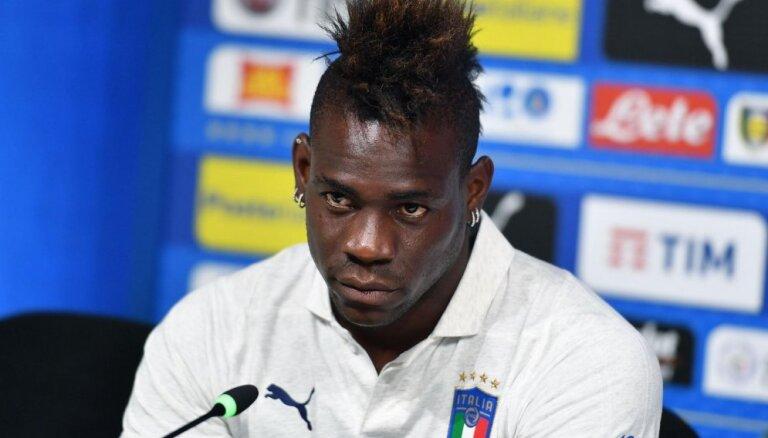 Balotelli švakas fiziskās formas dēļ atskaita no Itālijas futbola izlases